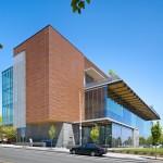 Biblioteka Kanadoje